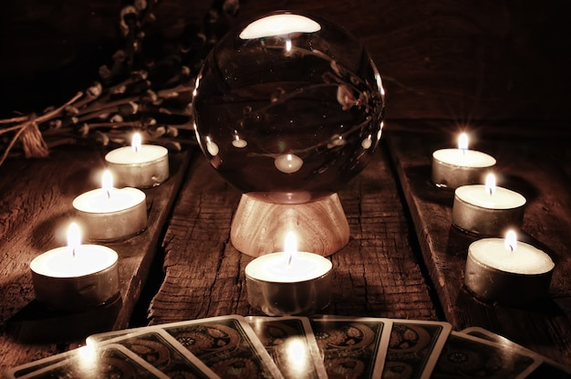 Гадание на свечах будущего кассира