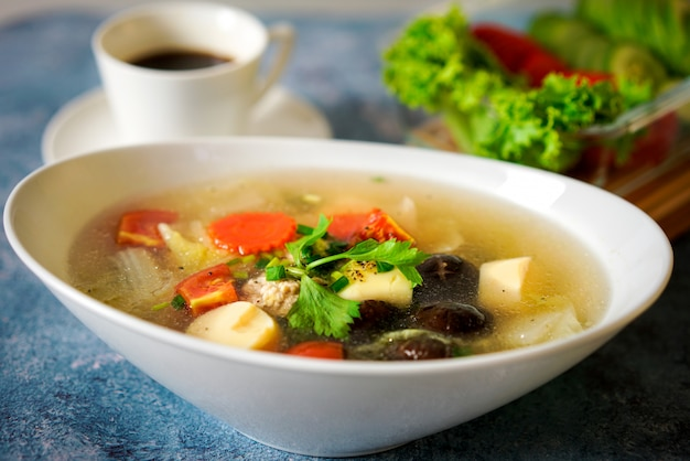 Gaeng jued woon sen or clear soup is thai food