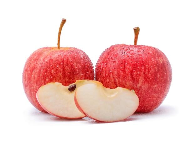 화이트에 물 방울과 갈라 사과입니다.