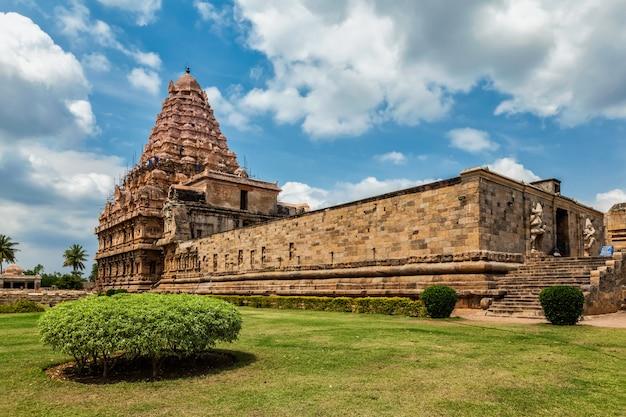 Храм гангай конда чолапурам один из великих храмов чола. тамил наду, индия