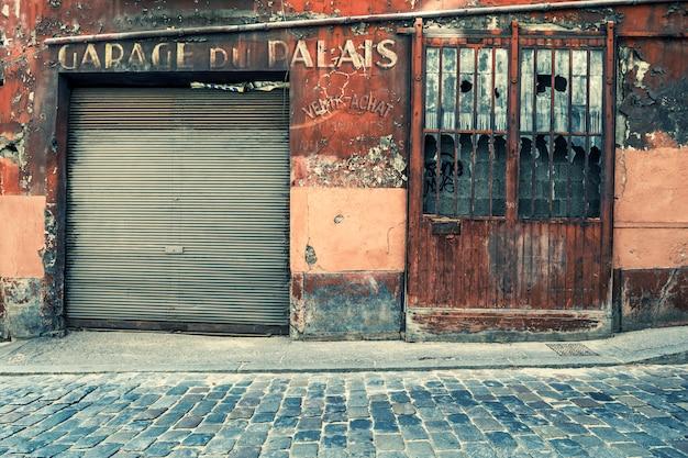 Garage du palais, lyon, france