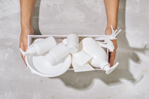 재활용 개념을 환경에 재사용하는 쓰레기