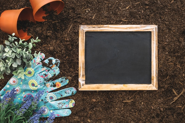 Gardening composition with slate