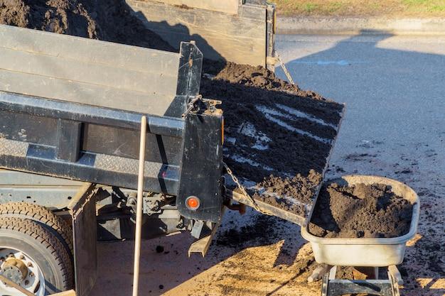 砂と土の輸送のための園芸手押し車