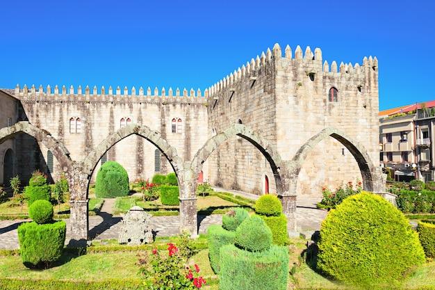 포르투갈 브라가 성이 있는 산타 바바라 정원