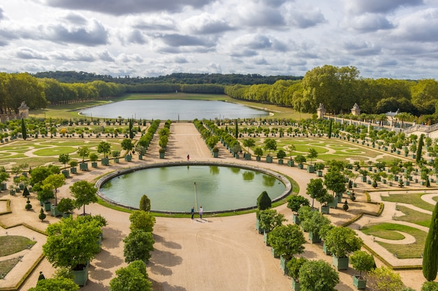 Сады версальского дворца во франции