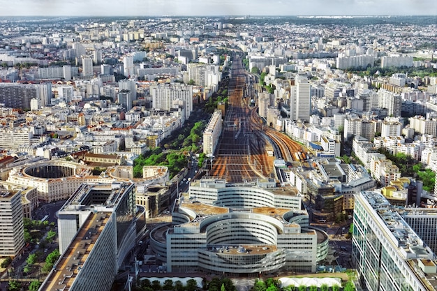 モンパルナス駅(鉄道駅)モンパルナスタワーからの眺めパリ、フランス