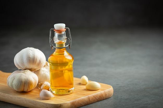 Olio all'aglio per il trattamento