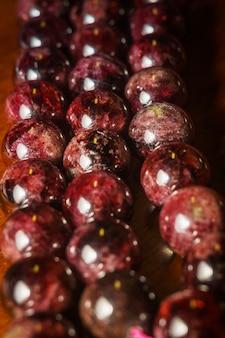 Garnet round beads