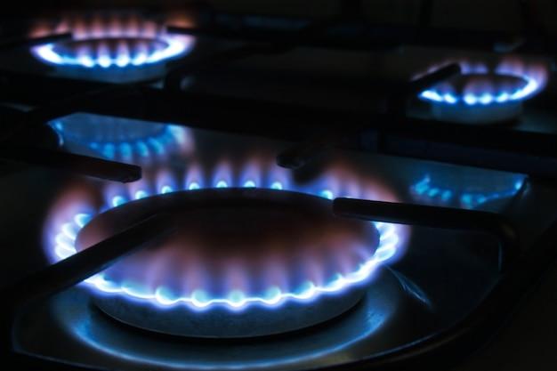 Газовое пламя на плите