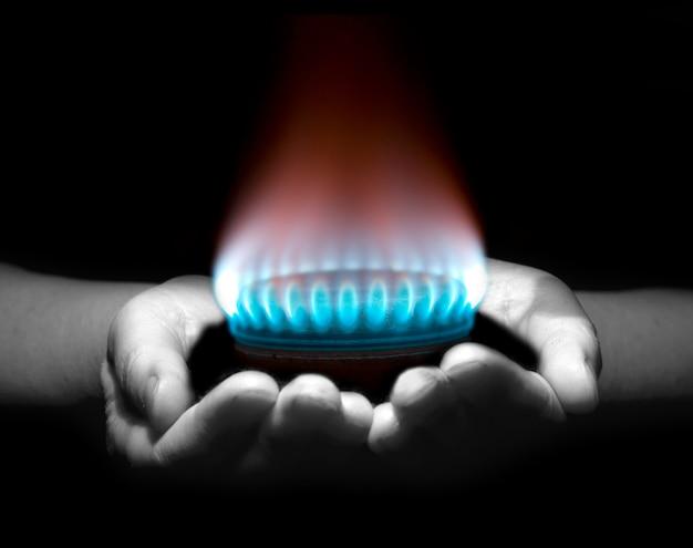 Газ в руках