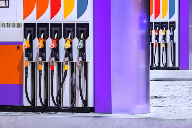 ガソリンスタンドの燃料産業の給油