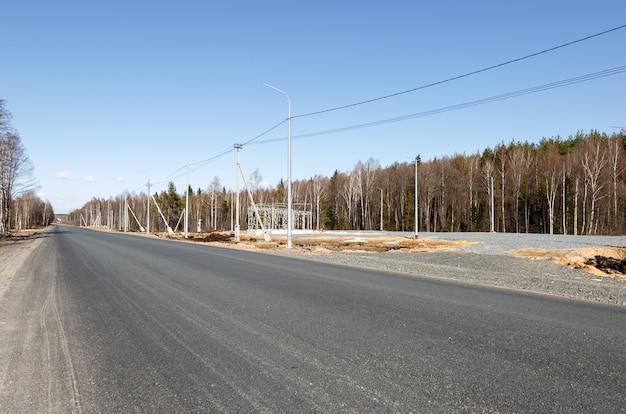 Строящаяся азс возле дороги