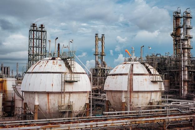 Gas storage sphere tank in oil refinery industrial plant