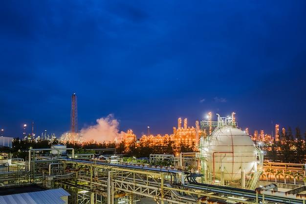석유 및 가스 정제 산업 플랜트의 가스 저장 구 탱크 및 파이프 라인