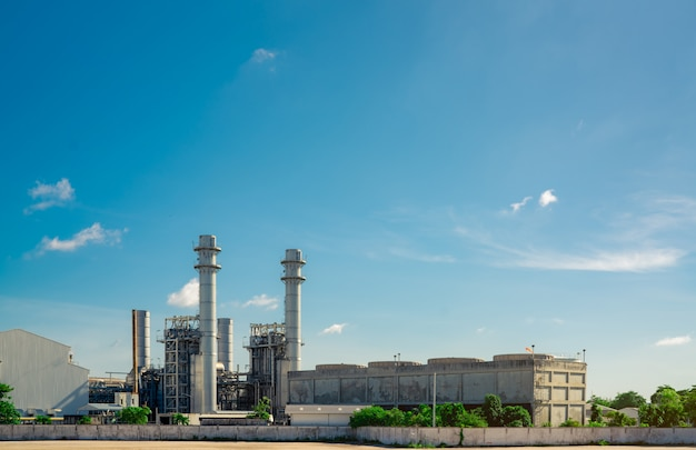 ガスタービン発電所。工業団地のサポート工場のエネルギー。天然ガスタンク。小さなガス発電所。燃料に天然ガスを使用する発電所。グリーンエネルギー。