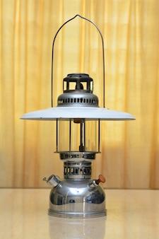 Бензиновые лампы-накрытые бензиновыми фонарями