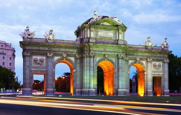 Gate of toledo in evening. madrid Free Photo