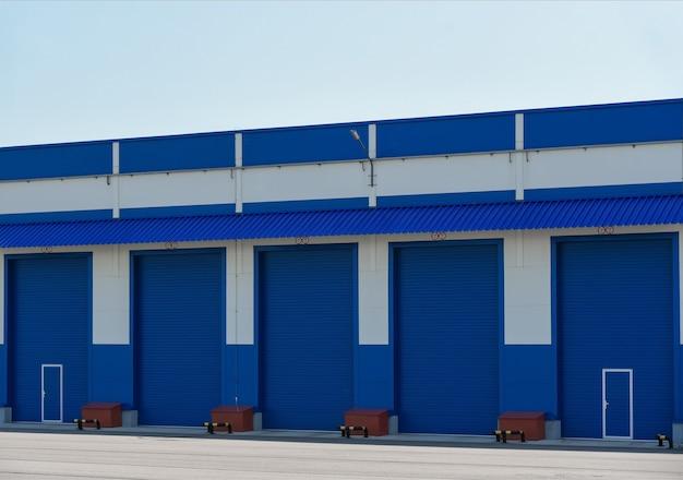 大型特殊車両用のゲートガレージボックス。
