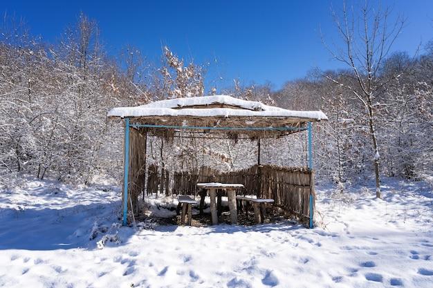 Беседка для отдыха в зимнем саду