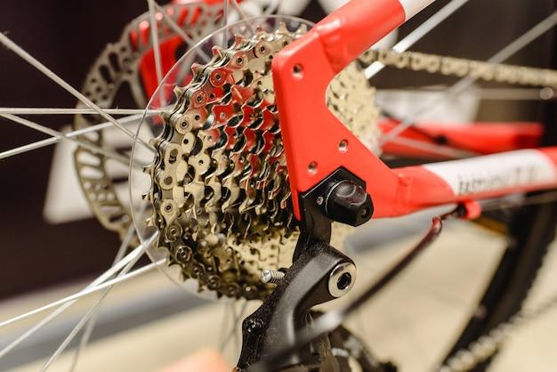 Зубчатая коронка из чистого велосипеда.