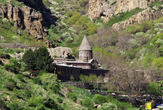 Гегардский монастырь в горах кавказа армении