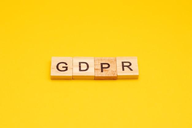 Буквы общего регламента защиты данных с написанием gdpr
