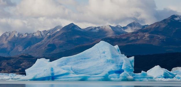 남미, 아르헨티나의 페리 토 모레노 빙하의 일반적인 모습