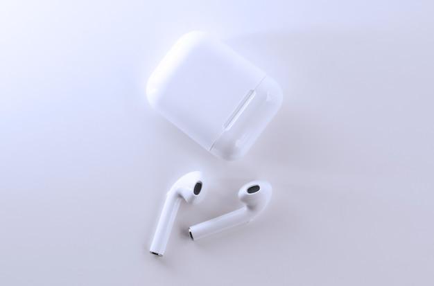 일반 무선 이어폰 - 흰색