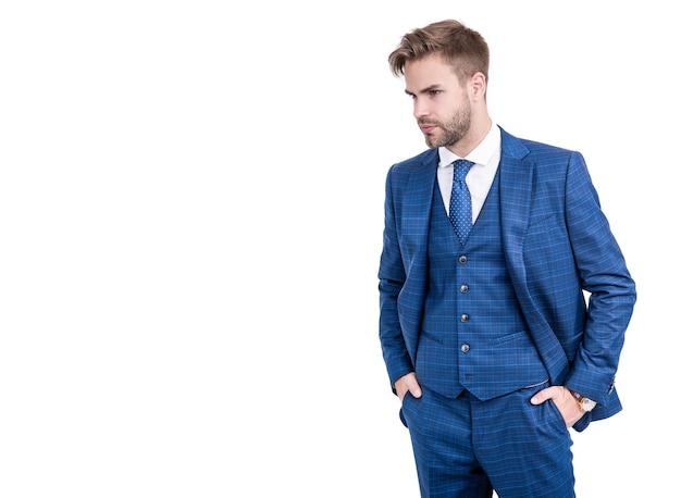 白地に分離されたネイビースーツのダッパー紳士マネージャーのための紳士服装スタイル