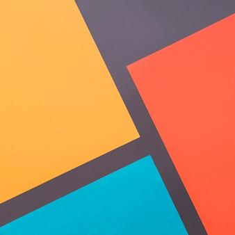 Геометрический фон с формами в четырех разных цветах