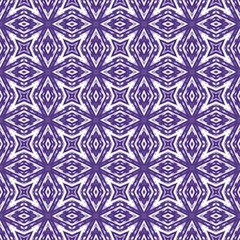 幾何学的なシームレスパターン。紫の対称的な万華鏡の背景。手描きの幾何学的なシームレスなデザイン。テキスタイルレディメスメリックプリント、水着生地、壁紙、ラッピング。