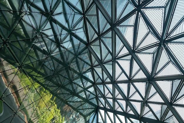 건물 유리 채광창의 기하학적 구조