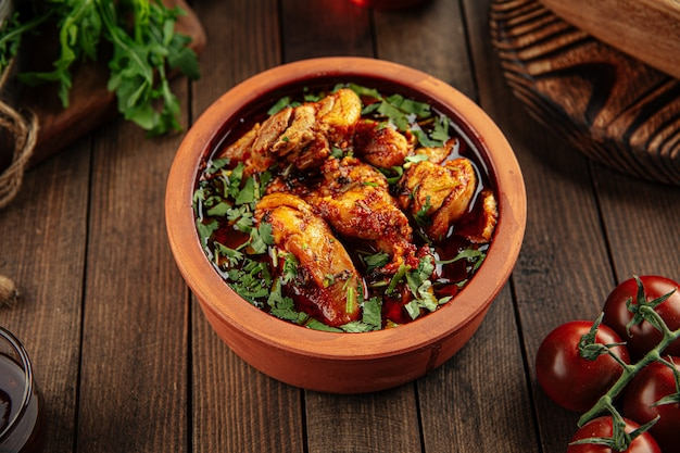 Грузинское блюдо чахохбили тушеная курица