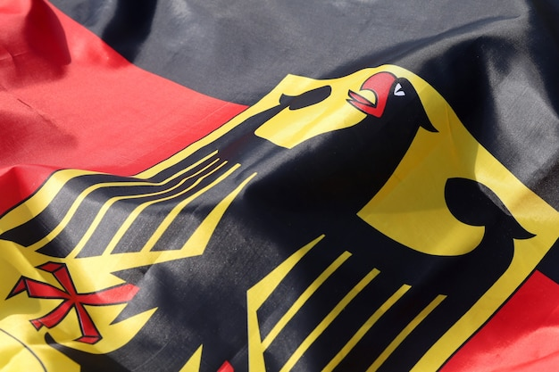 Флаг германии с крупным планом орла