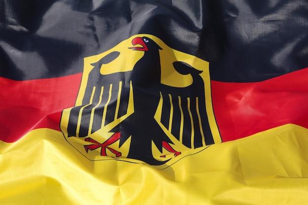 Шелковый флаг германии крупным планом