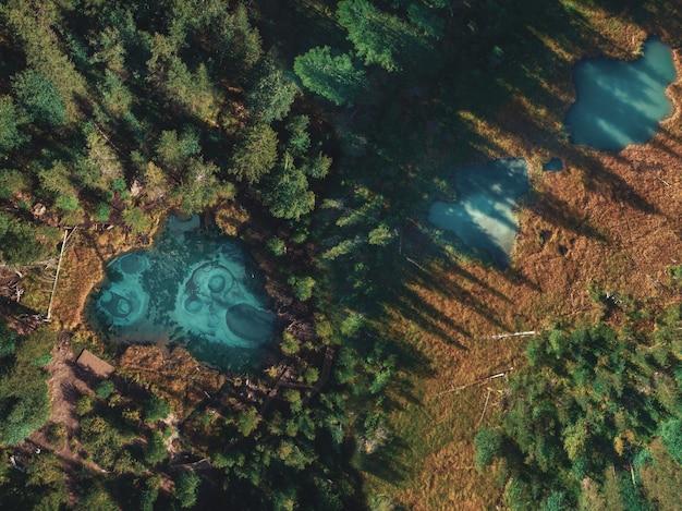 Гейзерное озеро с термальными источниками
