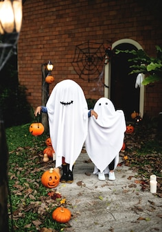 Ghost costume for halloween party