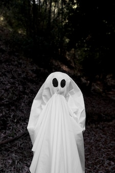 Ghostrising hands to mouth