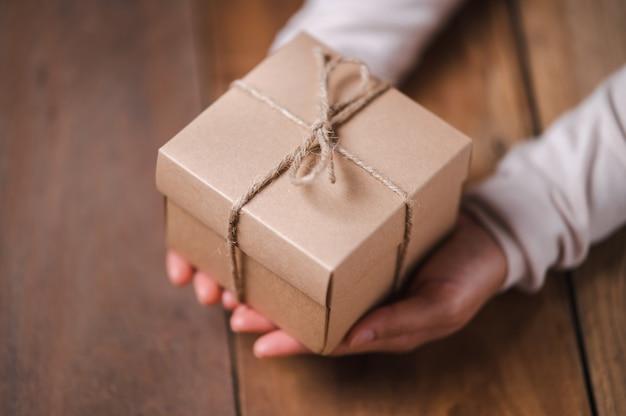 Подарочная коробка для рождественских и новогодних праздников