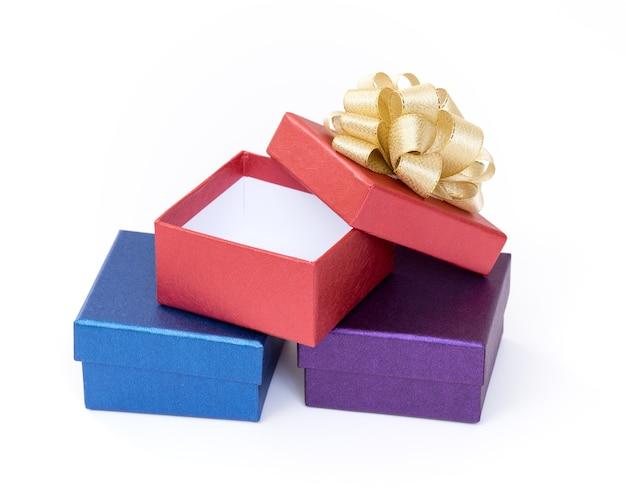 흰색 바탕에 선물 상자