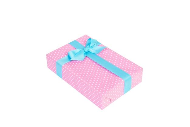 화이트에 블루 리본으로 선물 상자입니다. 플랫 레이
