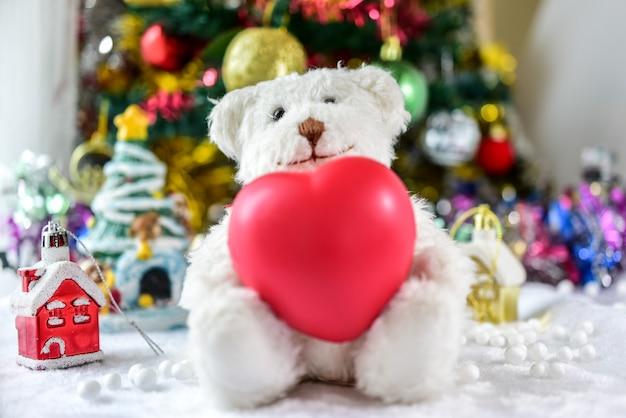 ギフトボックス、クリスマスお祝いの装飾。長い週末の幸せな休日