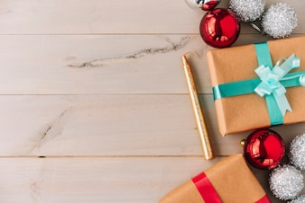 Gift boxes with baubles