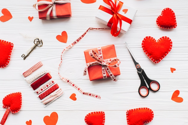 Gift wrapping supplies composition