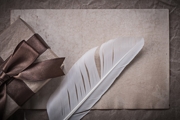 Giftbox sheet of wrapping paper quill