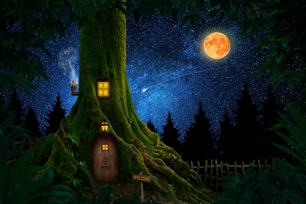 Гигантское дерево с домом внутри