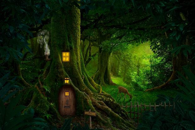 Гигантское дерево с домом внутри Premium Фотографии