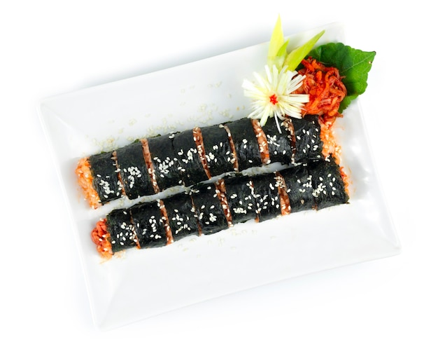 김밥 김치도 가끔 철자 김밥은 완벽한 식사입니다 한식 집에서 만든 길거리 음식 한입 크기로 제공되는 요리 평면도