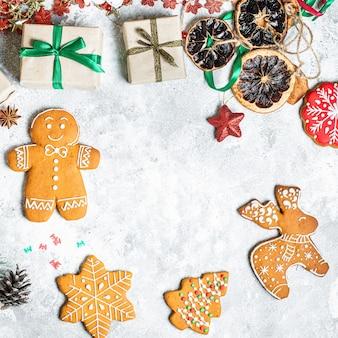 Имбирный пряник рождество сладкая выпечка сладкий десерт праздничный домашний пирог угощение